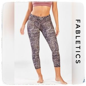 NWT Fabletics Mid-Rise Printed Powerhold C…